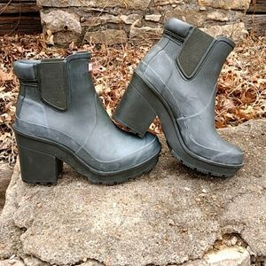 Hunter Block Heel Chelsea Rain Boot Dark Olive